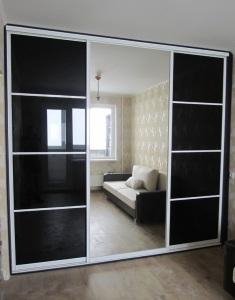 21. Шкаф-купе 2,3м modus H, цвет - серебро. Двери зеркало и лакобель черный. Цена 10 200 000 руб.