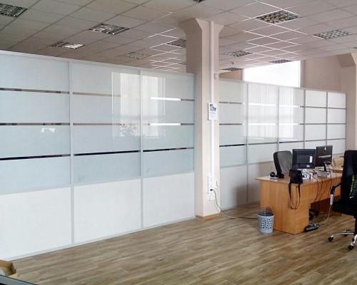 Перегородка в офис матовая полоска и ДСП