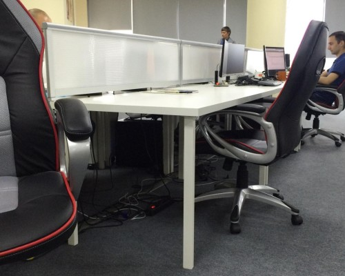 Мобильные экраны на столы из поликарбоната