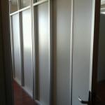стационарная перегородка для офиса ЛДСП и стекло 5мм