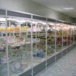 Торговое витрины для магазина стеклянные с подсветкой