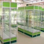 Торговое витрины для магазина стеклянные с замками